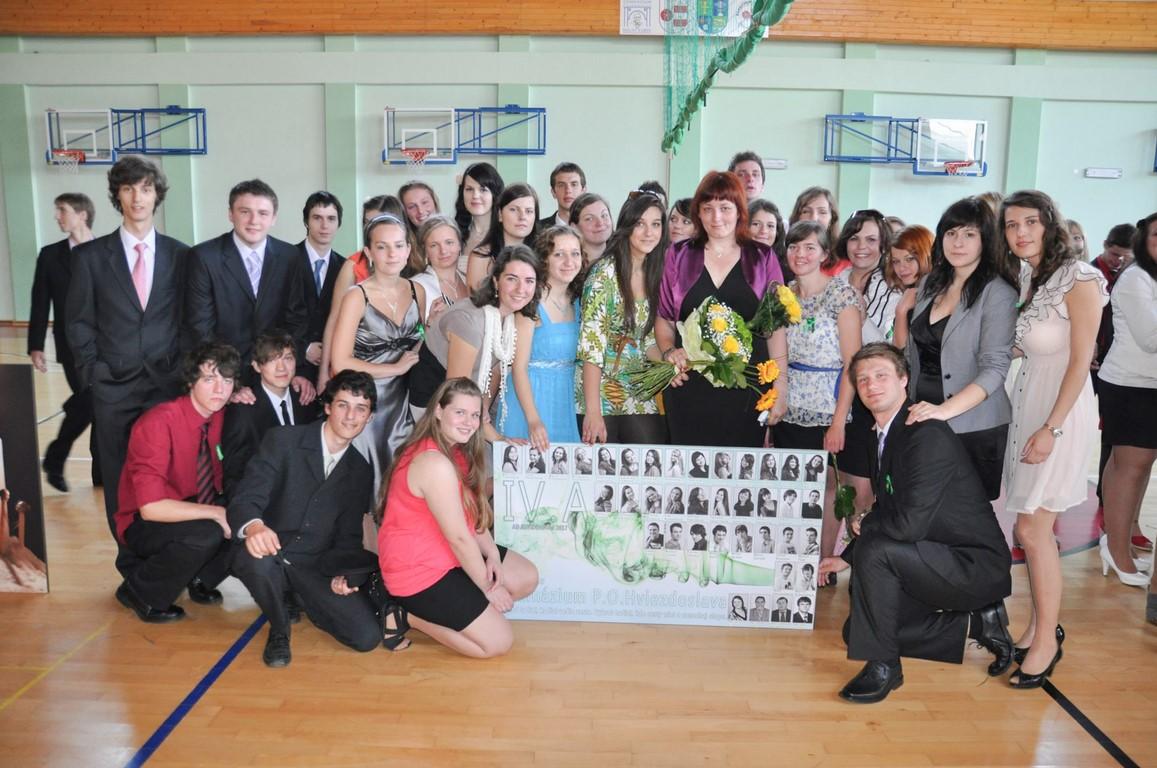 10_2012rozlúčka triedy 4.A so školou 2012