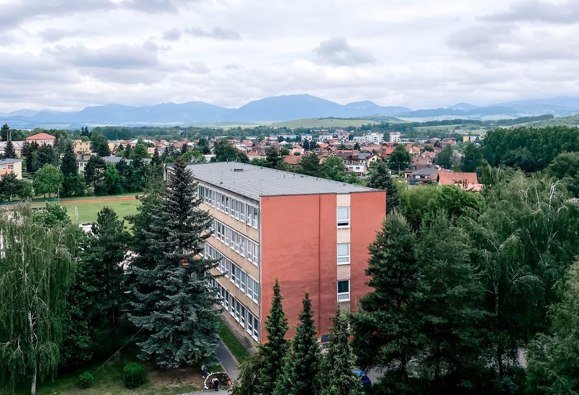Budova školy1