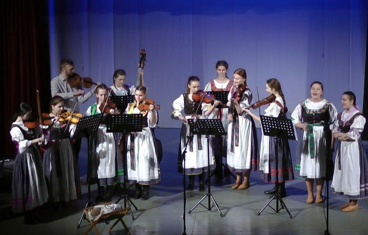 Ľudová hudba SOŠP Turčianske Teplice 2