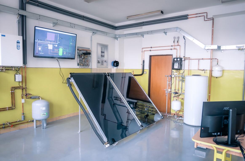 SOŠ stavebná Žilina - č. 4 Odborná učebňa solárne vykurovanie