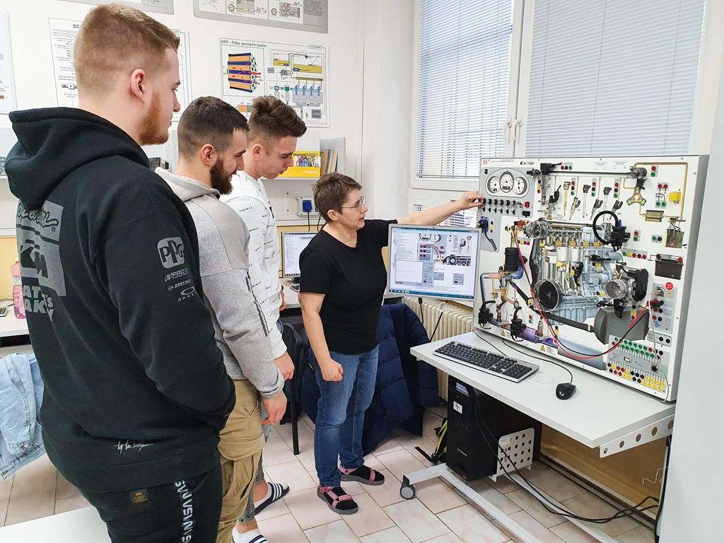 SOSDZA-Odborna ucebna elektrotechniky a autoelektroniky