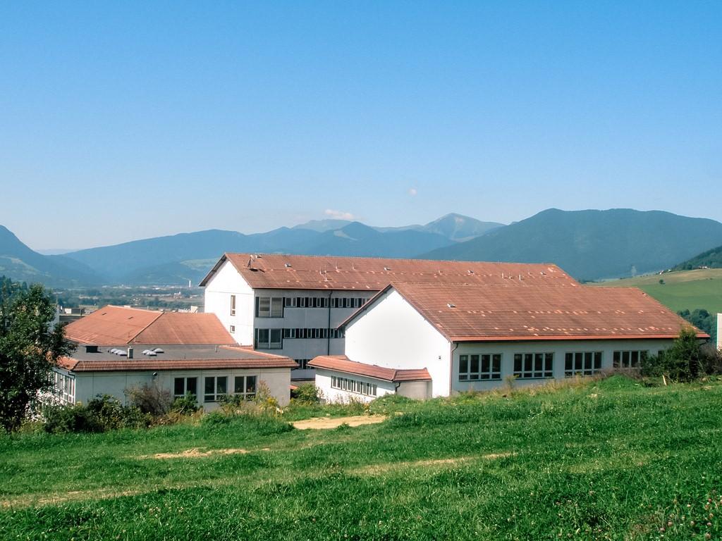 budova skoly SZŠ DK