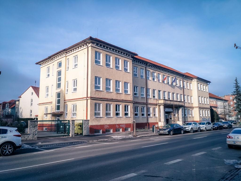 hlavna-budova-1
