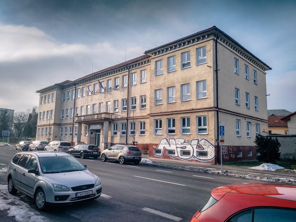 hlavna-budova-2