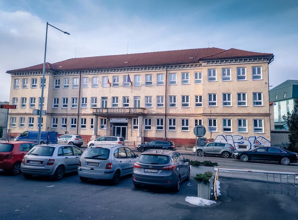 hlavna-budova-3