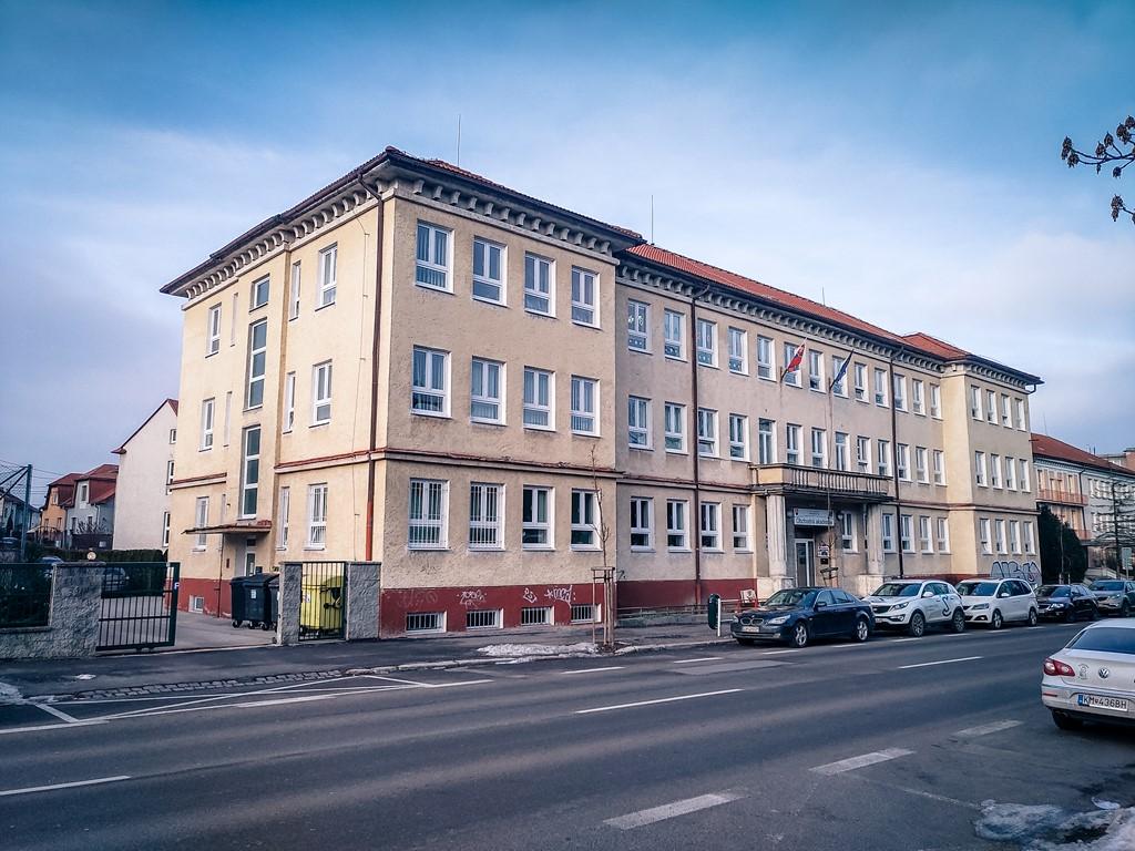 hlavna-budova-4
