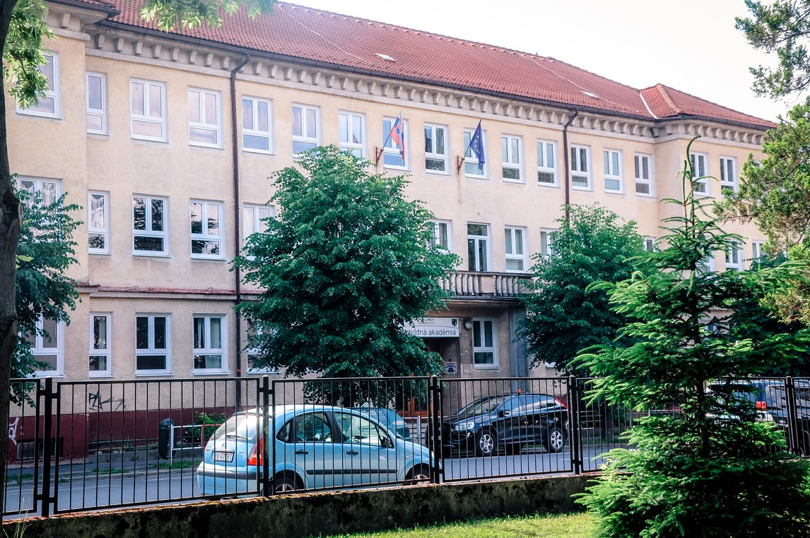 hlavna-budova-6