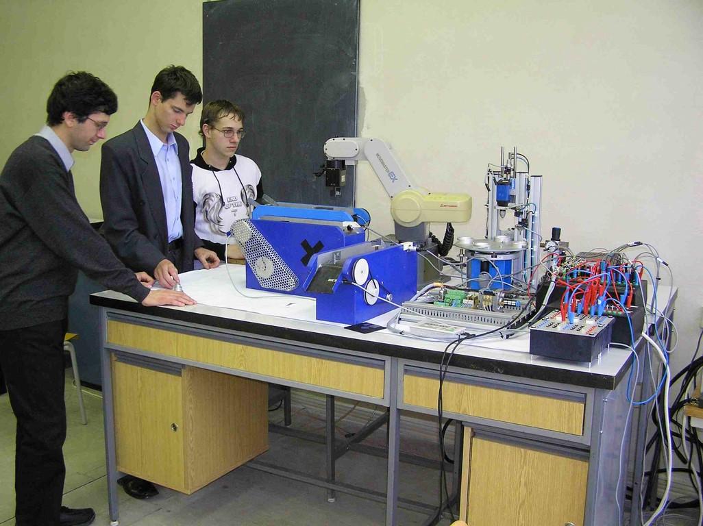 laboratorium_mechatroniky