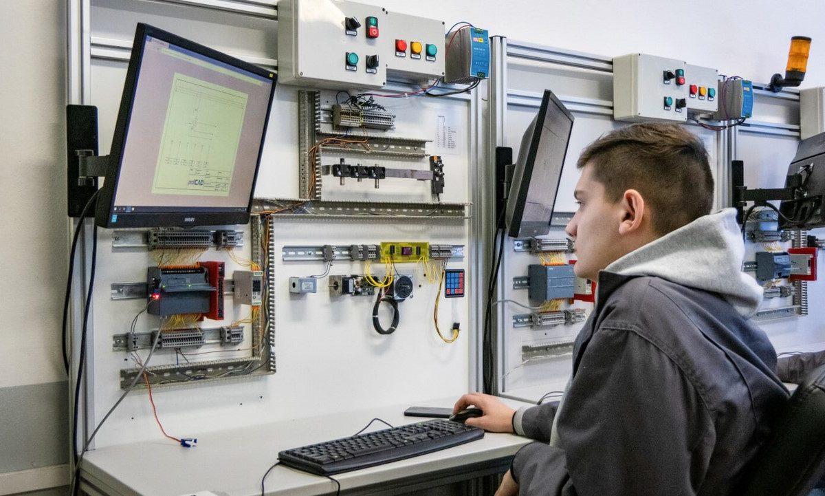 programovanie a riadenie CNC strojov
